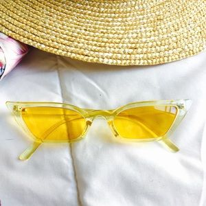 Retro Transparent Yellow Cateye Sunglasses